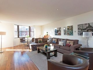 Iverna Gardens Luxury apartment in Kensington & Chelsea with WiFi, air condition