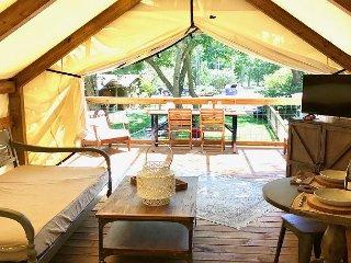 Geronimo Creek Retreat - Getaway Cabin #2 (Sleeps 5 Max)