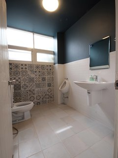 Guest toilet located in main living area