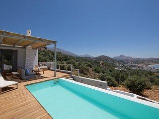 Villa Nissos, luxury villa with 3 bedroom with ensuite bathroom