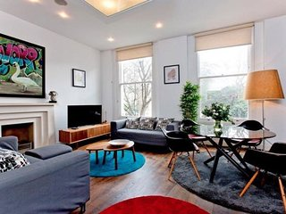 Apsley Mansions apartment in Westminster {#has_lu…