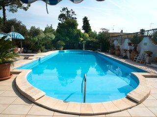 Appartamento con Parco e Piscina in Villa OASI (Galatina)