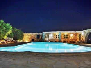 Archipelagos villas-Villa Xifara for 4 close to the sea