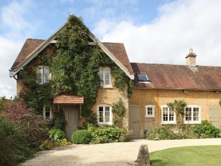 Epsom Cottage - Holiday Cottages in Cotswolds