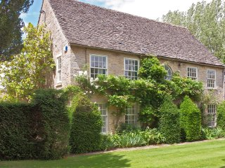 Weir House - Holiday Cottages in Cotswolds