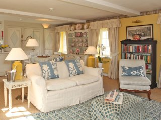 Cheltenham Cottage - Holiday Cottages in Cotswolds