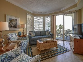 1303 SeaCrest - 3rd Floor - Gorgeous Ocean Views & Walk to Shopping & Dining