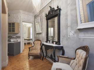 Galata Tower 7Bedrm-7Bath-20px -1st floor