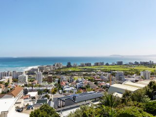 Springbok Townhouse - Greenpoint/Seapoint with spectacula views