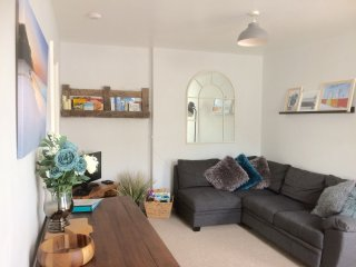Picturesque Mews Apartment Steps From Torquay Harbour/Festive Winter Spa Offers