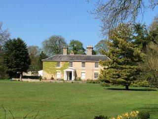 Vicarage House & Pool House