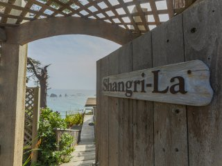 Mendocino/Albion Cliffside Cottage--Shangri-La