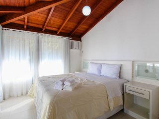 Ideally Located 3 Bed / 3 bath at Praia Mole!