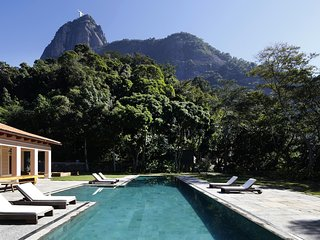 Rio013 - Breathtaking taking villa with private pool, garden and stunning views