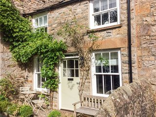 RUBY COTTAGES, flagstone flooring, centre of Sedbergh, Yorkshire Dales National