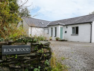 ROCKWOOD, WIFI, games room, countryside views, Ref 966526