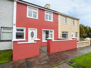 21 RIVER VIEW, WIFI, centre of Cahersiveen, breakfast bar, Ref 970407
