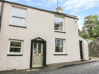 GLEN COTTAGE, wood burner, snug, pet friendly, in Kirkby Stephen, Ref. 960570