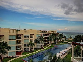 THE BEACH FRON PENTHOUSE spectacular ocean views! Private Beach + WIFI