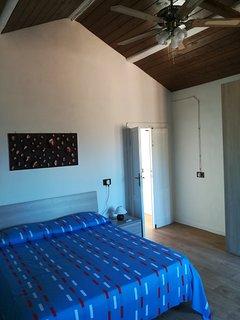 il segreto, appartamento-camera ad ore con stanza dei giochi per adulti.