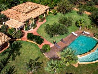 luxury villa with pool near the sea in western sicily