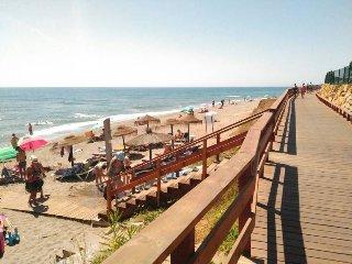 Apartamento primera línea de playa con vistas al mar y wifi