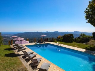 VILLA, SLEEPS 6, TERRACES, PANORAMIC VIEWS PRIVATE