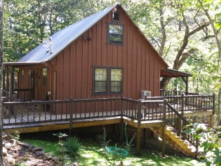 Rustic East Tennessee Mountain Cabin Overlooking Historic Coker Creek