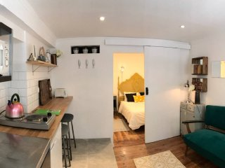 Bica! Lovely apartment in the heart of historic Lisbon!