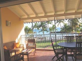 Charmant duplex vue exceptionnelle mer/montagnes, piscine, Wifi bord de la plage