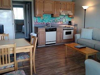Updated Condo at Wrightsville Beach Bridge – Walk to Dockside, Mellow