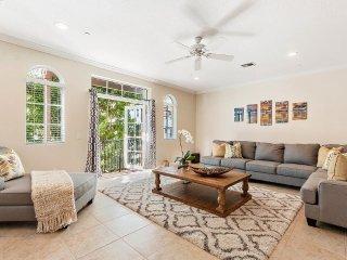 3 bed - 2800 sq ft story water front townhouse - 5 minutes from downton delray