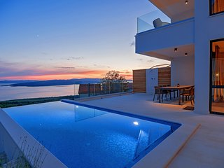 Amazing DesignerVilla with the best sea views