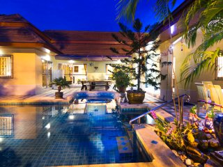 Villa Bos close to the beach and Pattaya