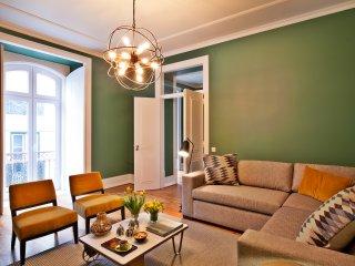 NEW! Lisbon Five Stars Apartments: Gaivotas 18 4Pax