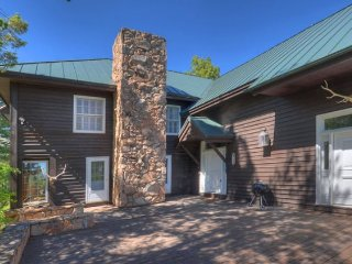 Eagles Nest Mountain Vacation Rental Home
