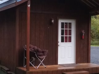 The Kodiak Cabin! A cute, studio style cabin, cottage in the woods!