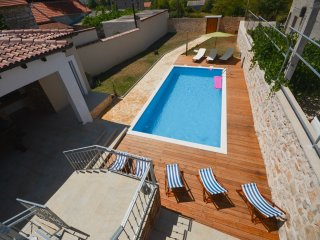 Stone villa Anita with pool