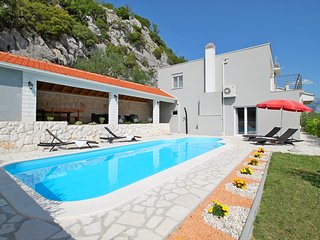 New! Villa Pasika with private 31m2 pool, summer kitchen with BBQ, 4 bedrooms