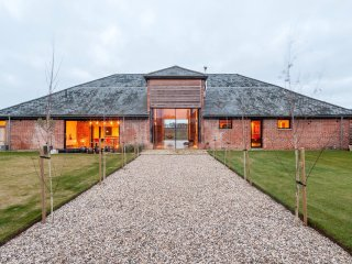 Award Winning Barn Conversion Nestled Between The Counties Of Essex And Suffolk