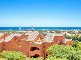 Relaxing 2 Bed 2 Bath - Sea and golf views DL24