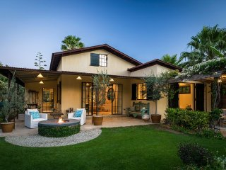 Beautiful cottage located in the hearth of the desert within Flora Farms