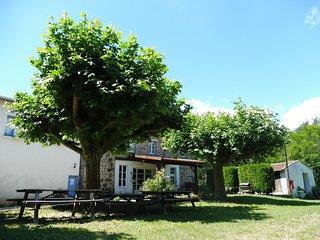 Grand gite de groupe au coeur de l'Ardèche à Vernoux-en-Vivarais, 35 couchages