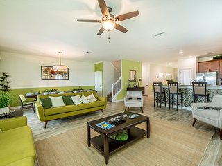 Radiant Luxury 9BR 5bth Champions Gate home w/pool, spa & games from $308/ night