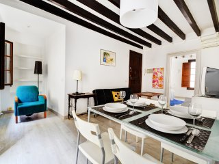Apartment close to all local amenities.