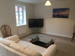 Comfortable room in new house, centre of Andover.