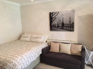 Beautiful studio room with private access