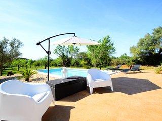 VILLA ECO. Self-sufficient and ecological Villa in Algaida.