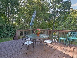 Lovely Home w/ Deck in Durham - 4 Miles from Duke!