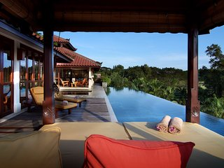 The Tempats - Luxury Villa with pool - only 45 minutes by boat from Singapore